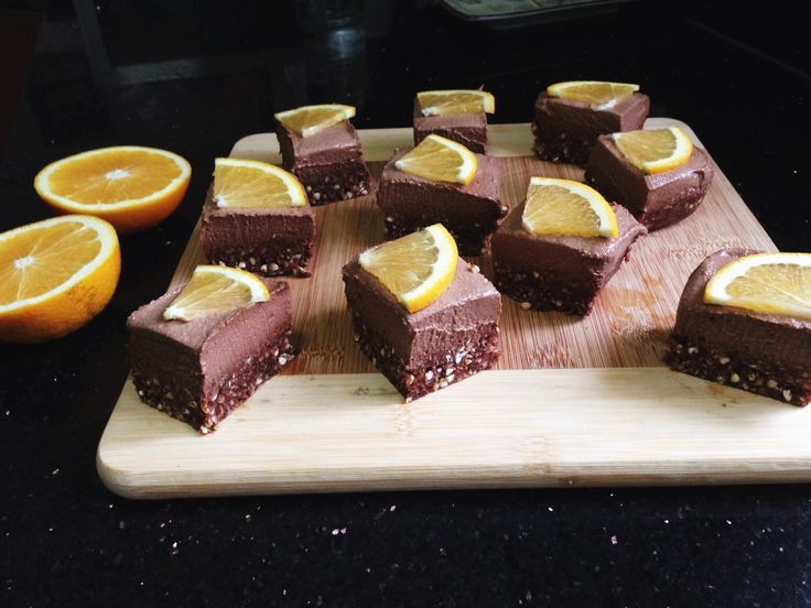 Gooey Rich Velvety Chocolate meets Zesty Orange Tang! aka Jaffa.. This slice is also Raw and Vegan, with no added nasties. After my blueberry and lemon cheesecake I made for my birthday was so deli…