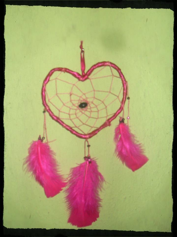 χειροποίητη ονειροπαγίδα σε σχήμα καρδιάς
