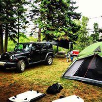 Le camping se trouve en bordure de mer sur un emplacement bien aménagé avec tous les services à proximité. Photo : gui_chasse / Instagram #ParcsNB
