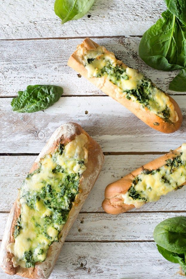 Spinat, Zitrone und geschmolzener Käse