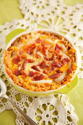Paula Deen Bacon Onion Pie    I am gonna make this for my MommaDonna when I am home...bacon and onion, it doesn't get much better than this ;0)