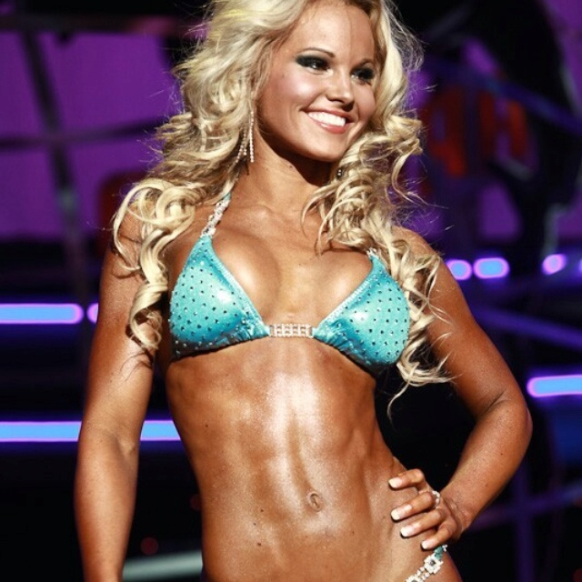 Justine munro fitness models figure competitions justine munro