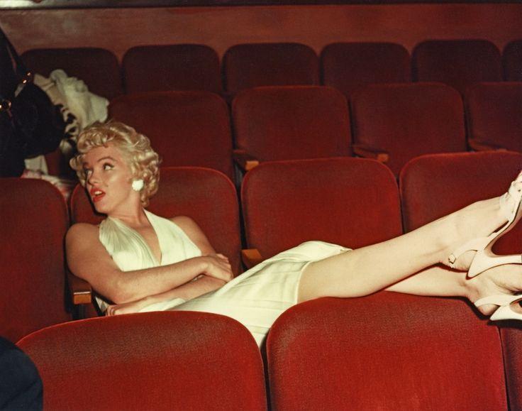 © Marilyn in White, screening room © Bernard of Hollywood