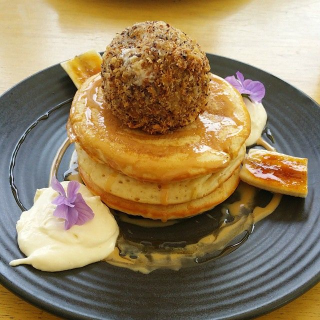 Back to Flinderz for banoffee pancakes with salted caramel and fried ice cream. Wow. | Morsels