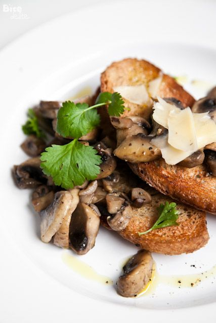 Mushrooms toast #lunch #snack to make #vegan omit the cheese