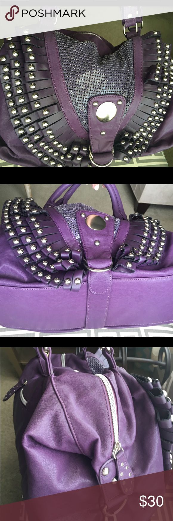 Nicole Lee handbag Purple Nicole Lee handbag. Hreat conditions. No stains. Used only once Nicole Lee Bags Shoulder Bags