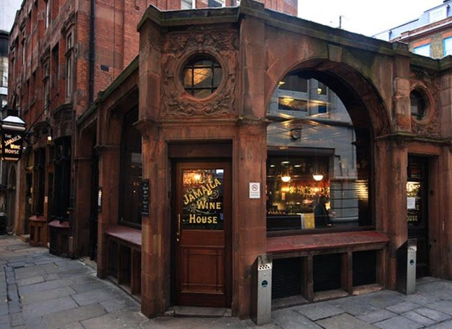 Jamaica Wine House, London's first coffee house that opened between 1650 and 1652. Tucked away in St Michael's Alley, part of a labyrinth of charming medieval courts and alleys off Cornhill and Lombard Street.