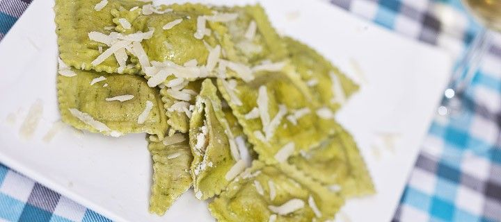 lekker vegetarische pasta recept met groene ravioli met mozzarella, ricotta, parmezaan en gorgonzola kaas
