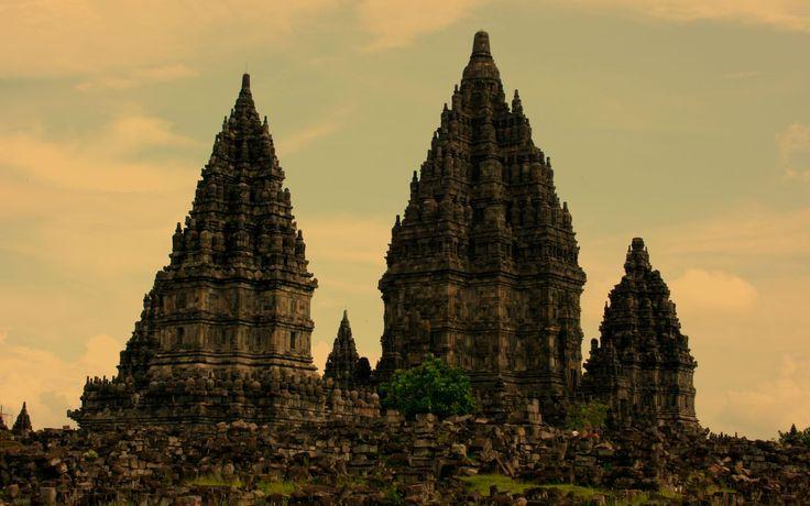 Ruins Indonesia Wallpaper
