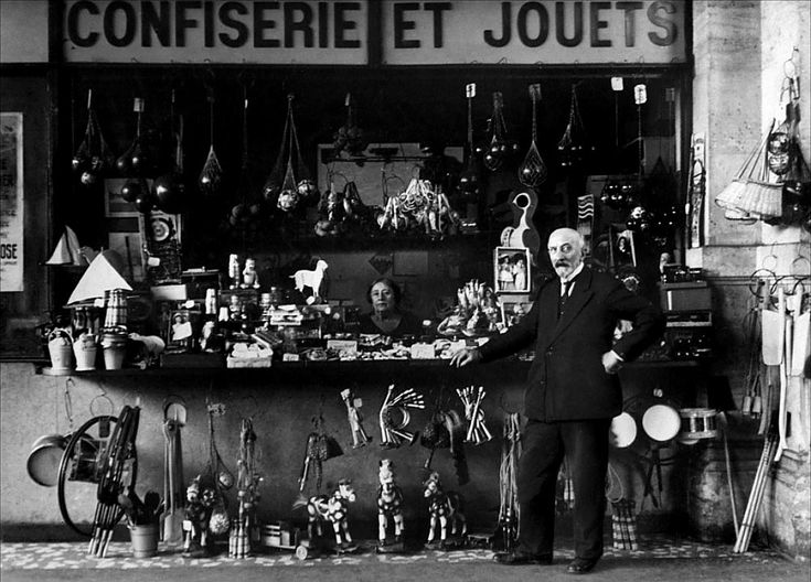 george melies and his contributions to Though george melies 1902 short film le voyage dans la lune is only runs a span of thirteen minutes, the effects this profound film has made to the world of cinema in germany, and the world can still be seen in many films today.