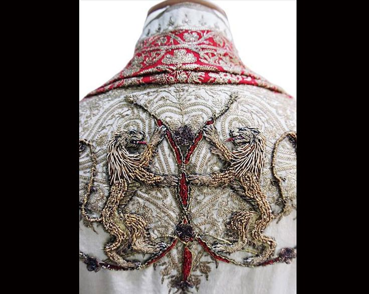Margaery's wedding cloak, embroidered with the Lannister lions. (Credit: Michele Carragher Embroidery)
