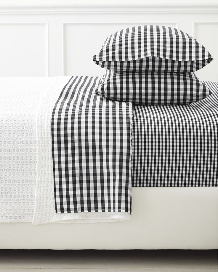 Borrowed from the boys, this is one of those classic patterns that's easy to dress up or down – just like the perfect button-down shirt. We love how the flat sheet and pillowcases are woven with a slightly larger gingham than the fitted.