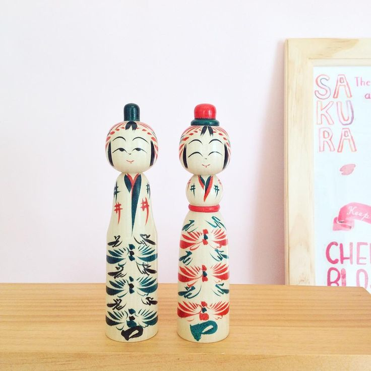 Today is Hinamatsuri (girls day) in Japan. Families with young girls celebrate by displaying Hina-sama set that represents the imperial family. I don't have a daughter... But I am very happy to own this Hina-sama kokeshi by Hayasaka Masahiro. #girlsday #hinamatsuri #hinasama #kokeshi #kokeshidolls #cute #display #japan #japaneseculture #traditionaljapan