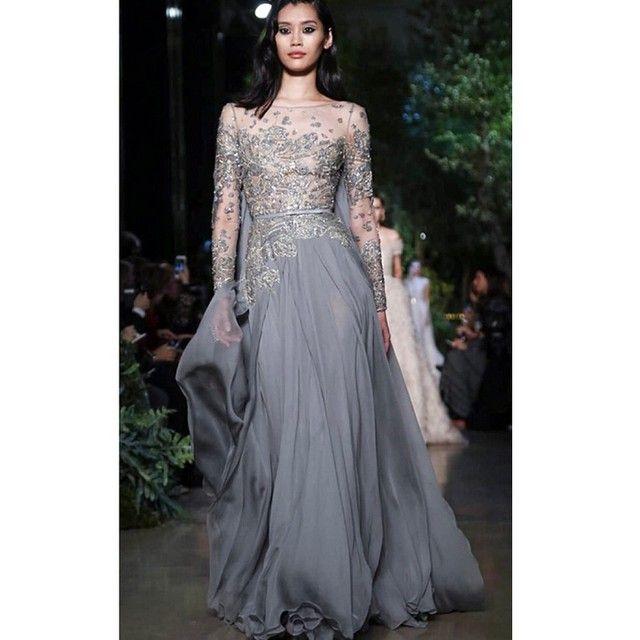 """""""No nosso site tem os melhores vestidos da nova coleção ELIE SAAB  ✨  www.WeddingIdeasBrides.com ✨ ----------- Check out the NEW collection of ELIE SAAB…"""""""