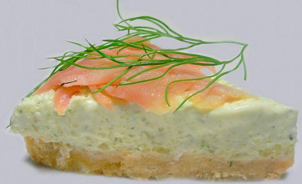 Чизкейк - рецепты  Страны мира по-своему подошли к приготовлению чизкейка, стремясь сделать рецепт идеальным для себя - в Италии добавляют сыр рикотта, в Греции используют сыр Фета, немцы предпочитают творог, японцы используют сочетание крахмала и яичного белка. В чизкейки добавляют сыр с плесенью, острый чили, морепродукты и даже тофу.