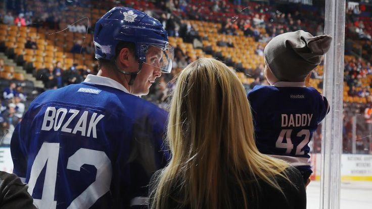 Tyler Bozak, baby son share adorable warmup moment | NHL.com