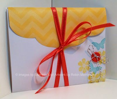 Video Tutorial for a fun and easy accordion fold scrapbook. Created with the Happy Hello Simply Sent card kit.