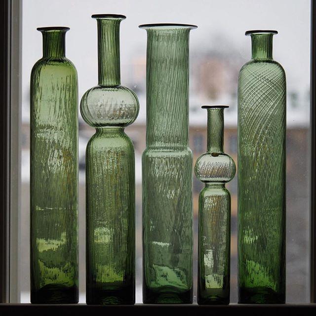 Nanny Still Neptuna -bottles. #riihimäenlasi #madeinfinland #nannystill #neptuna #stillneptuna #60tal #506070s #506070tal #design #vintage #glass #glasslove #glasslovers #myhome #minunkoti #colorful #bottle #bottles #glassbottle #lasi #suomalainenlasi #greenglasslove #nofilter #vintageglass #nannystillglass #finskglas #finnishdesign #koristepullo #midcenturyglass #dekolehtikotimaista