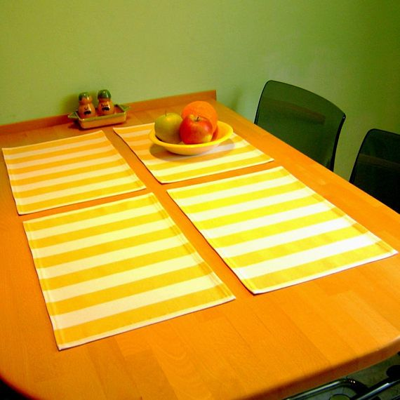 Cotton yellow striped table place setting / Striped table