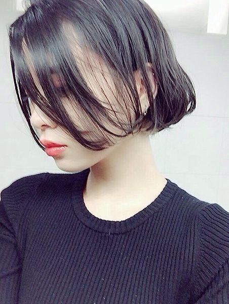 頬にかかる透け髪、きゅん。モテオーラたっぷり「シースルーボブ」|MERY [メリー]