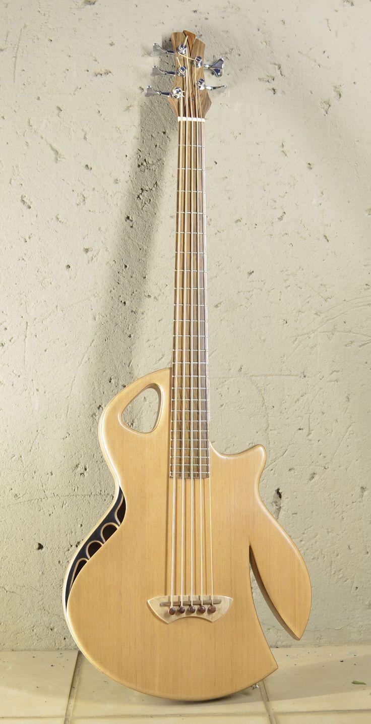 Murray Kuun Spitfire bass. I like the headstock and side sound hole