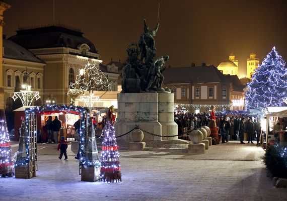 Képeken a 7 legszebb hazai karácsonyi vásár 2013-ban | femina.hu