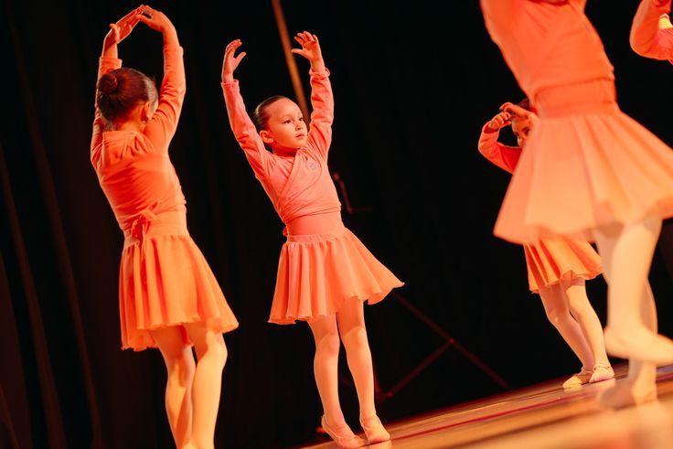 Seguimos editando las fotos de la presentación de @academioa_petitedanse      #infantil #danza #niños #baile #bailar #danse #dança #bailarina #dancers #dancelife #ballet