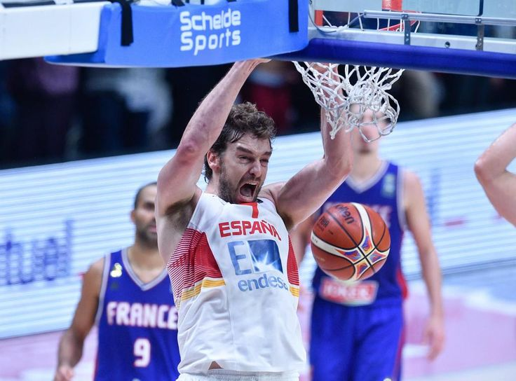 SPAIN defeats France 80-75 on Pau's 40p/11r to advance to @FIBA #EuroBasket2015 Title Game! http://on.nba.com/1FkBn97