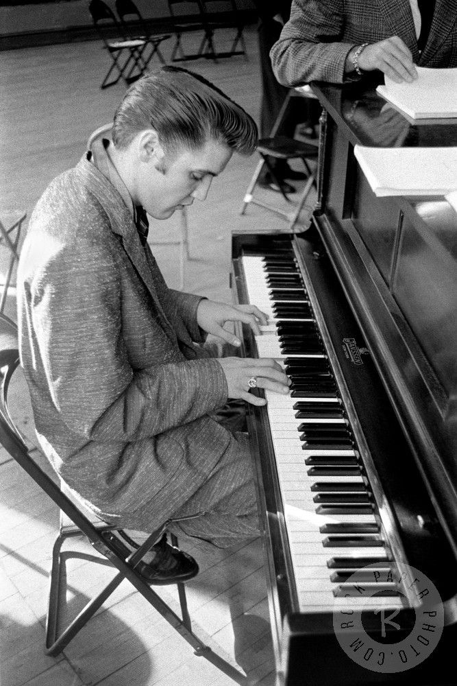 Elvis Presley, New York June 29, 1956 | Alfred Wertheimer | Elvis ...