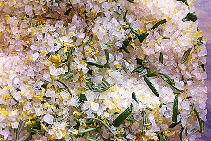 Zitronen - Rosmarin - Salz, ein tolles Rezept aus der Kategorie Grundrezepte. Bewertungen: 44. Durchschnitt: Ø 4,4.