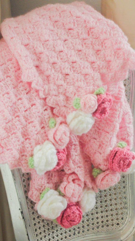 Flores de bebé Manta Crochet rosas manta rosa por RosieOriginals