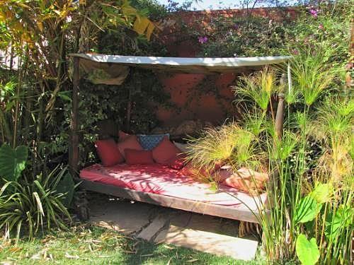 jardin exteriores imagenes : Buen Finde!: Gardens Ideas, Hiding Places, Backyard Ideas, Secret Gardens, Gardens Inspiration, Houses Ideas, Canopies Beds, Gardens Dennings, Houses Back Yard Jpg