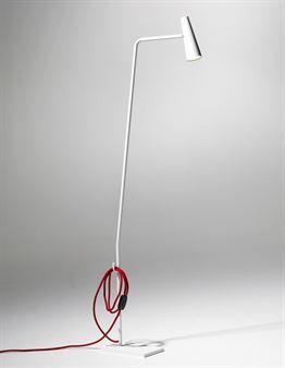 Hector golvlampa passar bra både hemma och på kontoret. Finns i vitt med röd textilsladd eller grått med grå sladd. Hector finns även som bordslampa och kommer från svenska SMD Design.