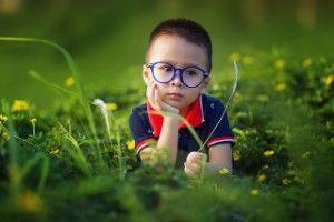 Tu niño(a) fue diagnosticado con Síndrome de Asperger, ¿es esto un problema? No caigamos en el tema tabú que le rodea. Profundicemos un poco más y descubramos juntos la realidad de este síndrome.