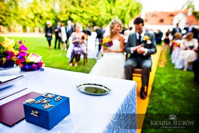 Ceremony, wedding rings box,  / Kraina Ślubów / fot. Ewa Brzozowska