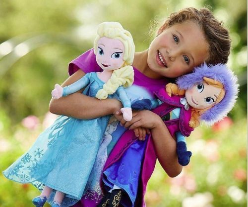 Gorgeous FROZEN - Anna  Elsa dolls AVAILABLE TO PURCHASE now. What little girl doesn't want one of these sets??