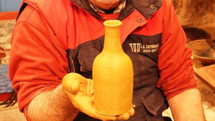 Pottery bottle video: How to make a simple pottery bottle on potter's wh...