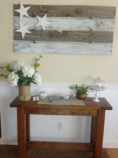 pallet flag.. oh wow. So easy. Love the flag. And the wrapped vase with hydrangeas! I want!!!