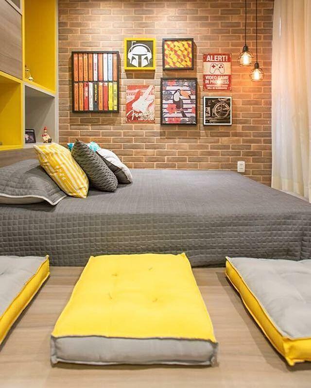 Uma nova etapa da vida pede um novo lar! Projeto super descolado da @stiloarquitetura para uma jovem universitária. #meuquartomeumundo #almofadasoppa #futonsoppa #luminariasoppa #maiscorporfavor #cinzaeamarelo #designeparatodos #oppalaemcasa #oppadesignvix