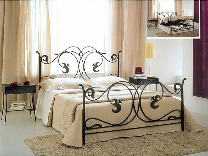 rod iron bed frame