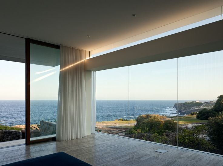 Seacliff House / Chris Elliott Architects a big view and the value of curtains