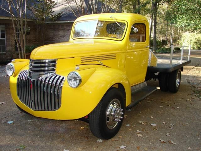1946 Chevy Truck 1 Ton Flatbed A/C Automatic 350 Chevy Vintage Antique Classic
