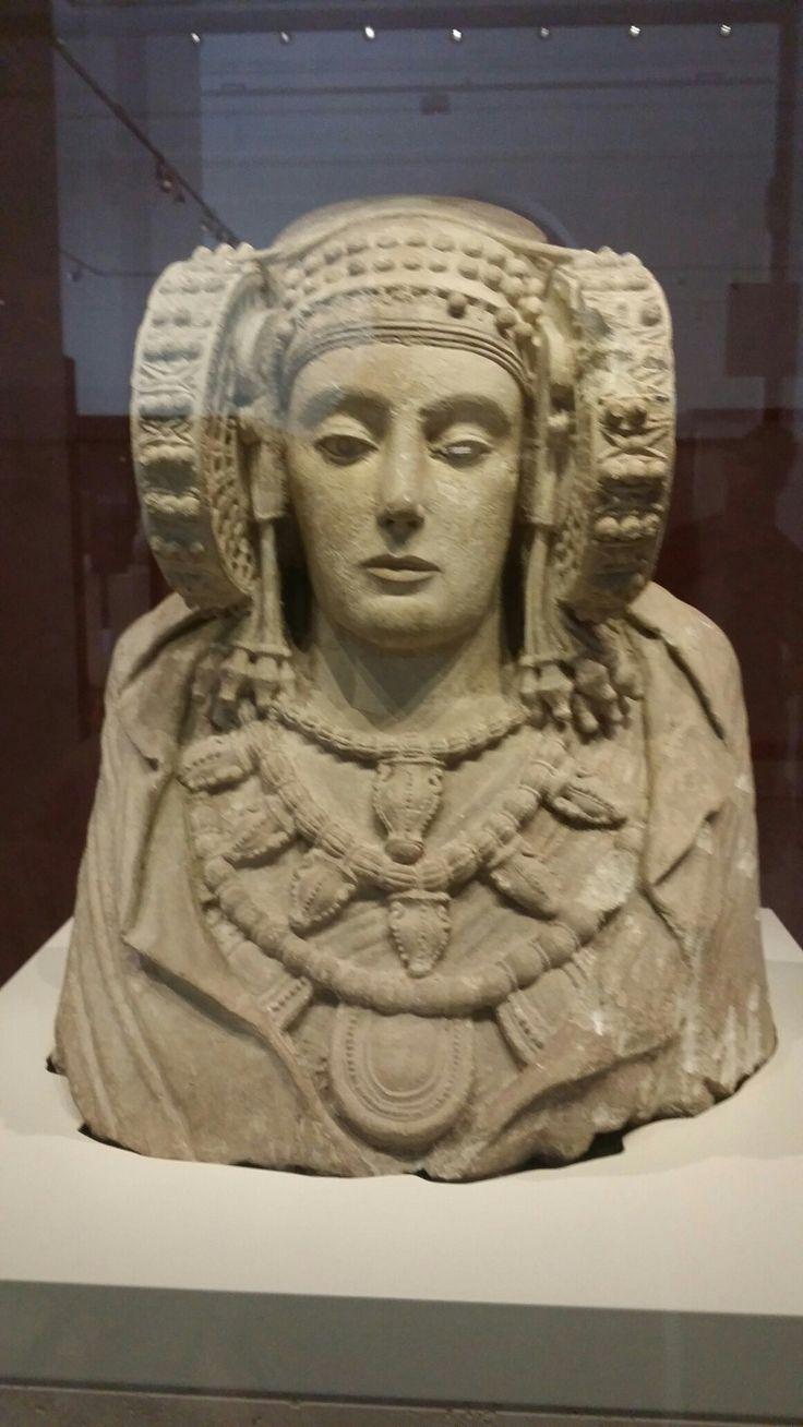 Dama de Elche. Museo Arqueologico. Madrid