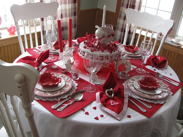 Lestone Cottage Valentine Table For Four
