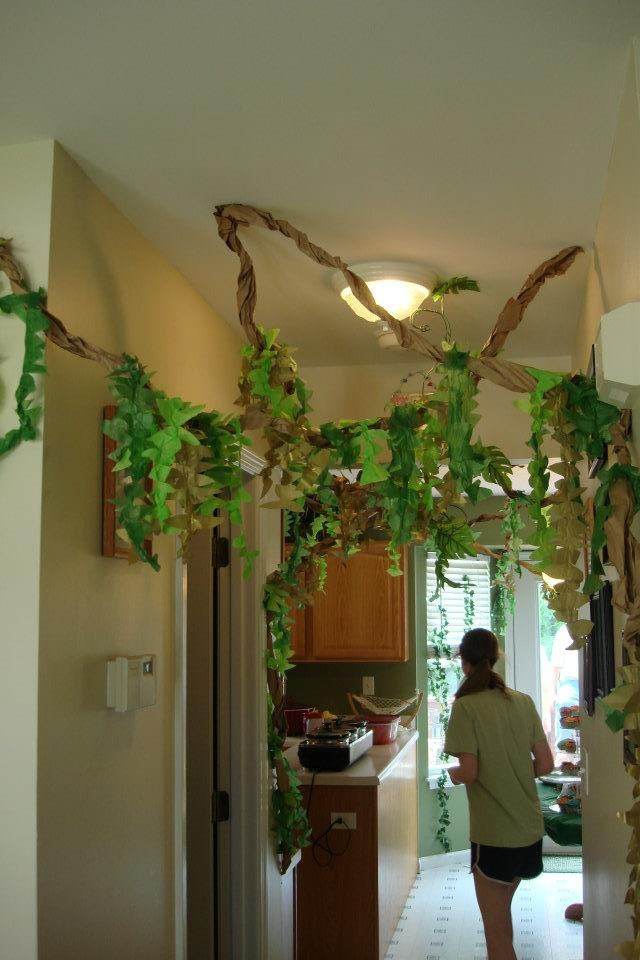 Classroom Door Ideas Jungle ~ Jungle party st birthday the quot leaves and vines