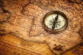 Resultado de imagem para bússola antiga e mapa