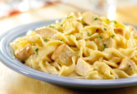 Chicken and Noodles: Chicken Noodles Recipes, Cream Of Chicken, Quick Creamy, Eggs Noodles, Mushrooms Soups, Food, Dinners, Carbonara, Creamy Chicken