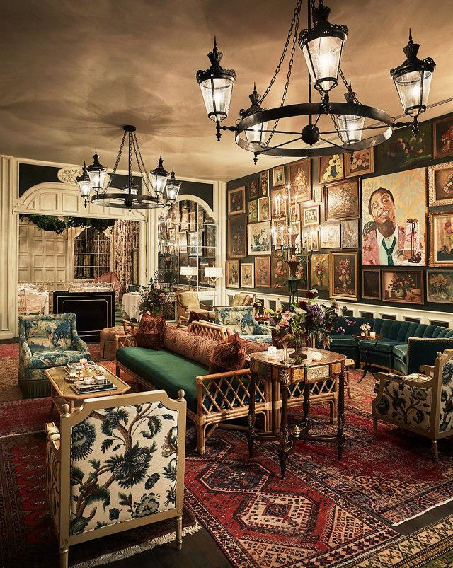 The Caribbean Room at the Pontchartrain Hotel, New Orleans