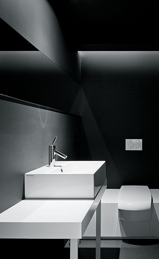 Giuseppe Merendino | Bed'n Design / bathroom deco / minimalist / black and white