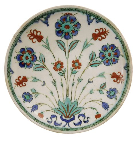 A polychrome Iznik Dish, Turkey, Circa 1570-1575 | Lot | Sotheby's